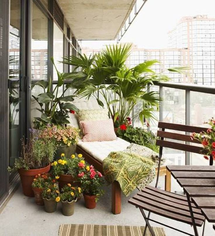 Outdoor cactus balcony decoration http://lomets.com.