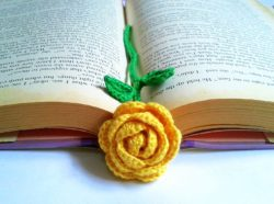 best crochet flower bookmark
