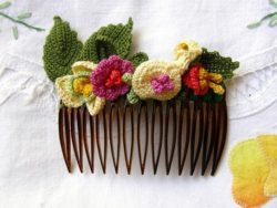 amazing crochet flower comb